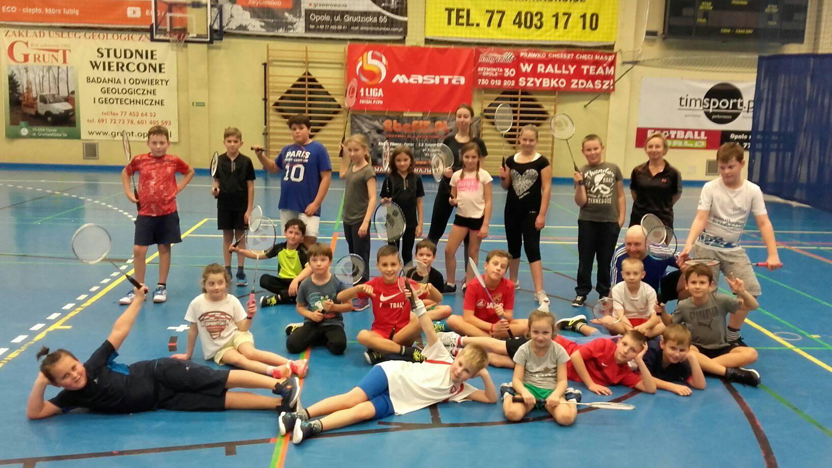 treningi badmintona dla dzieci i młodzieży